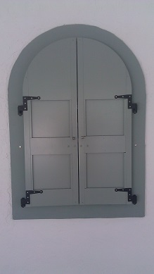 Let us help deploy your shutters.  Serving Palm Beach and South florida